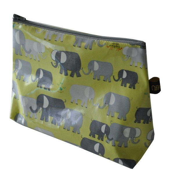 TROU002_001_0_trousse_elephants8.jpg